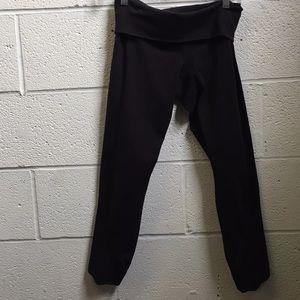 lululemon athletica Pants - Lululemon black 7/8 length legging w/ mesh sz 6